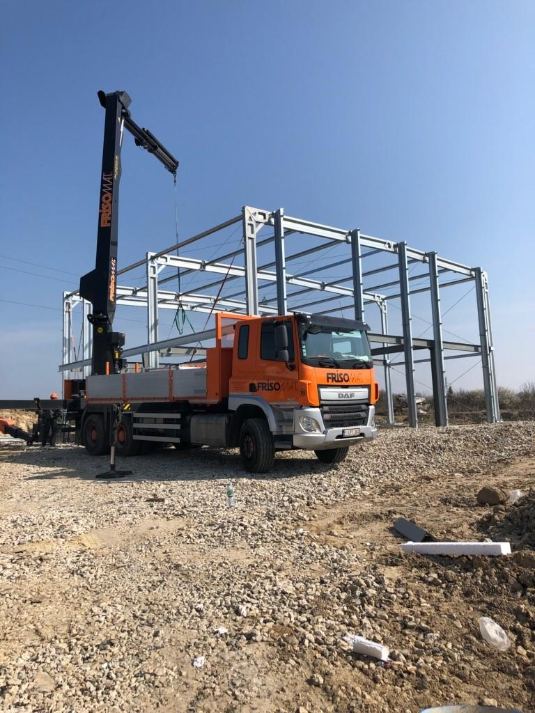 Stradanova-batiment-industriel-France-10-Bureaux-atelier-mezzanine-chantier
